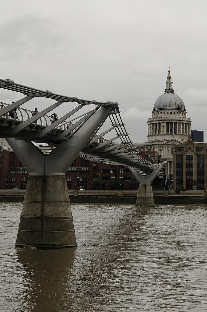 Millenium Bridge la Tamise