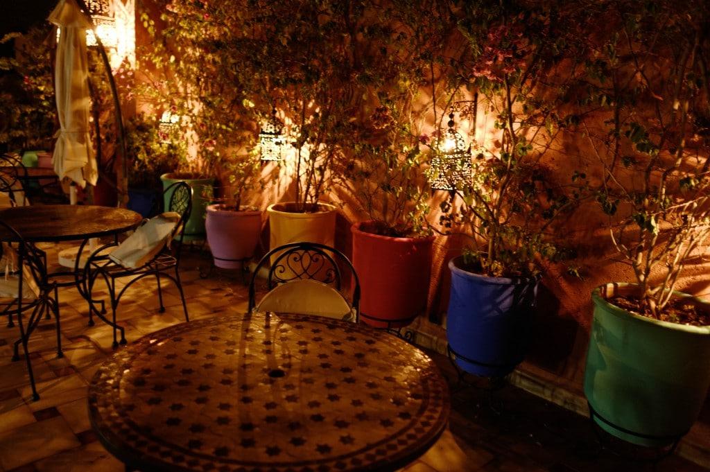 La terrasse du Riad Nesma de nuit
