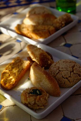assortiment de patisseries marocaines