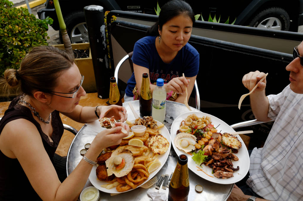 Repas au marché aux poissons de Sydney, poissons frais