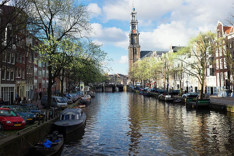Amsterdam : canal de Prisengracht et Westerkerk