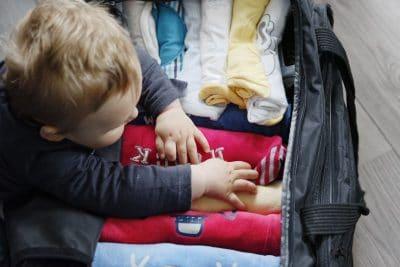 Voyager avec bébé : préparer les bagages