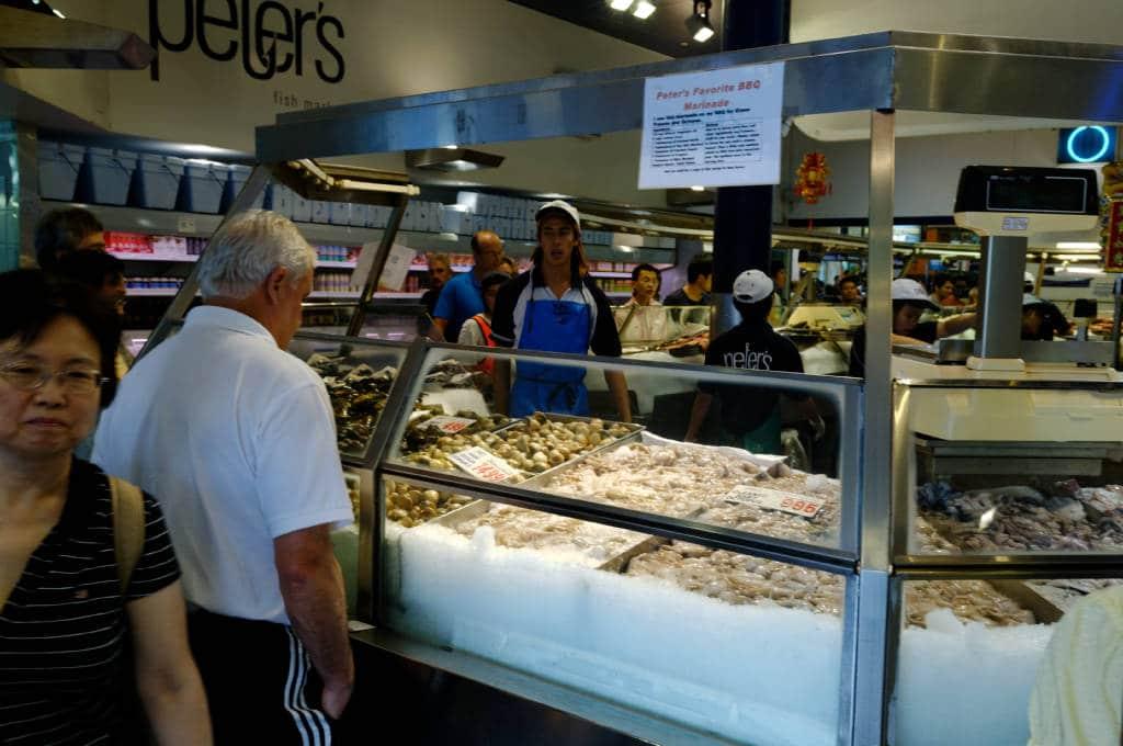 Les étales du fish market, marché au poisson de Sydney