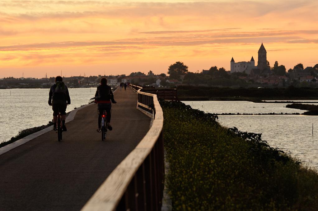 Piste cyclable entre le Bois de la Chaise et Noirmoutier-en-l'Île