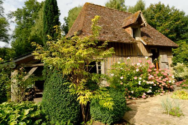 Cambremer sur la route du cidre en normandie for Jardin jardinier normandie