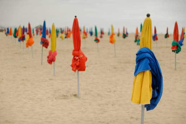 Plage de Deauville : les parasols
