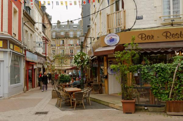 Rue des Bains à Trouville - Normandie