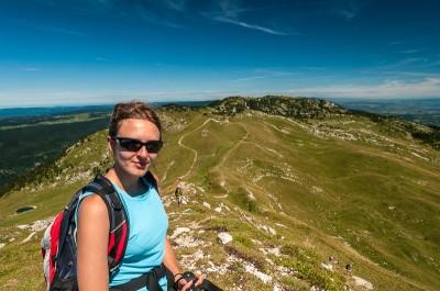 Randonnée Jura : Vue sur le Crêt de la Neige depuis le Reculet