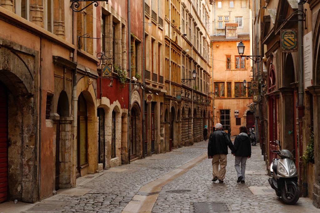Kết quả hình ảnh cho Vieux Lyon Traboules