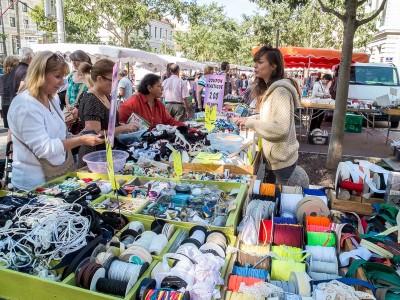 Mercerie au marché de la Croix Rousse à Lyon
